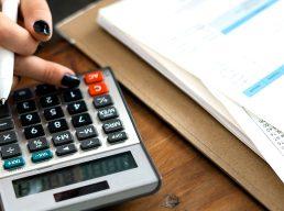 Conheça os 6 erros que podem estar acabando com a sua vida financeira e saiba como evitá-los